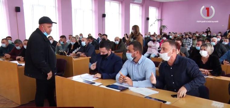 Гучна сесія: у Виноградівській міській раді розглянули земельні питання (ВІДЕО)