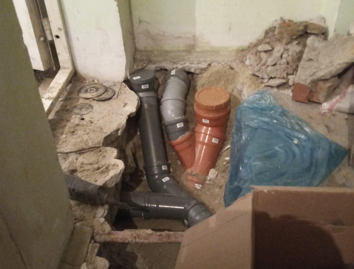 Працівники «Гідросфери» реалізували складний проєкт по відводу каналізації