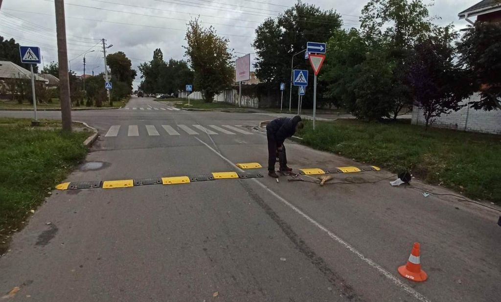 """Ще на одному перехресті в Черкасах встановили """"лежачі поліцейські"""""""